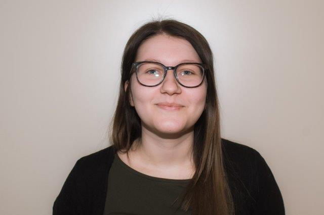 Kayla Debecker : Toezichthoudster